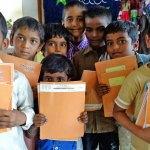 Distribution de fournitures scolaires