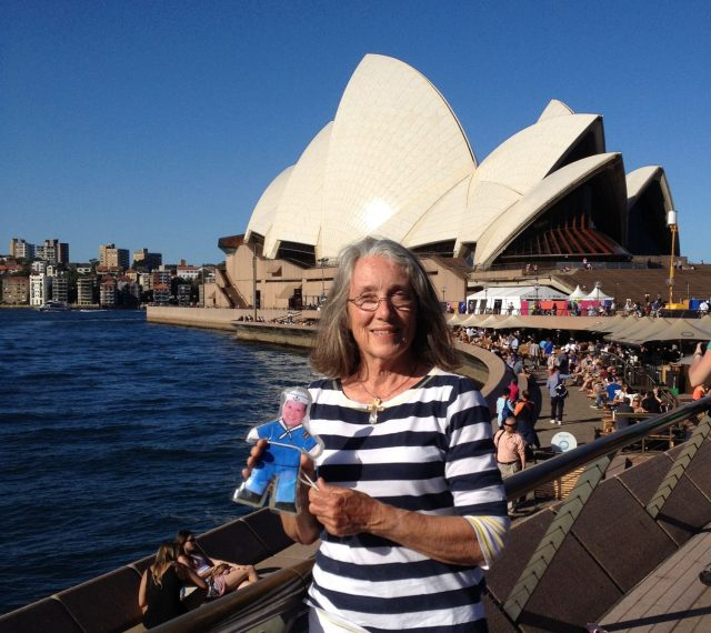 40.1. Flat Mr. Davis and Anne enjoyed the beautiful day by the Sydney Opera House