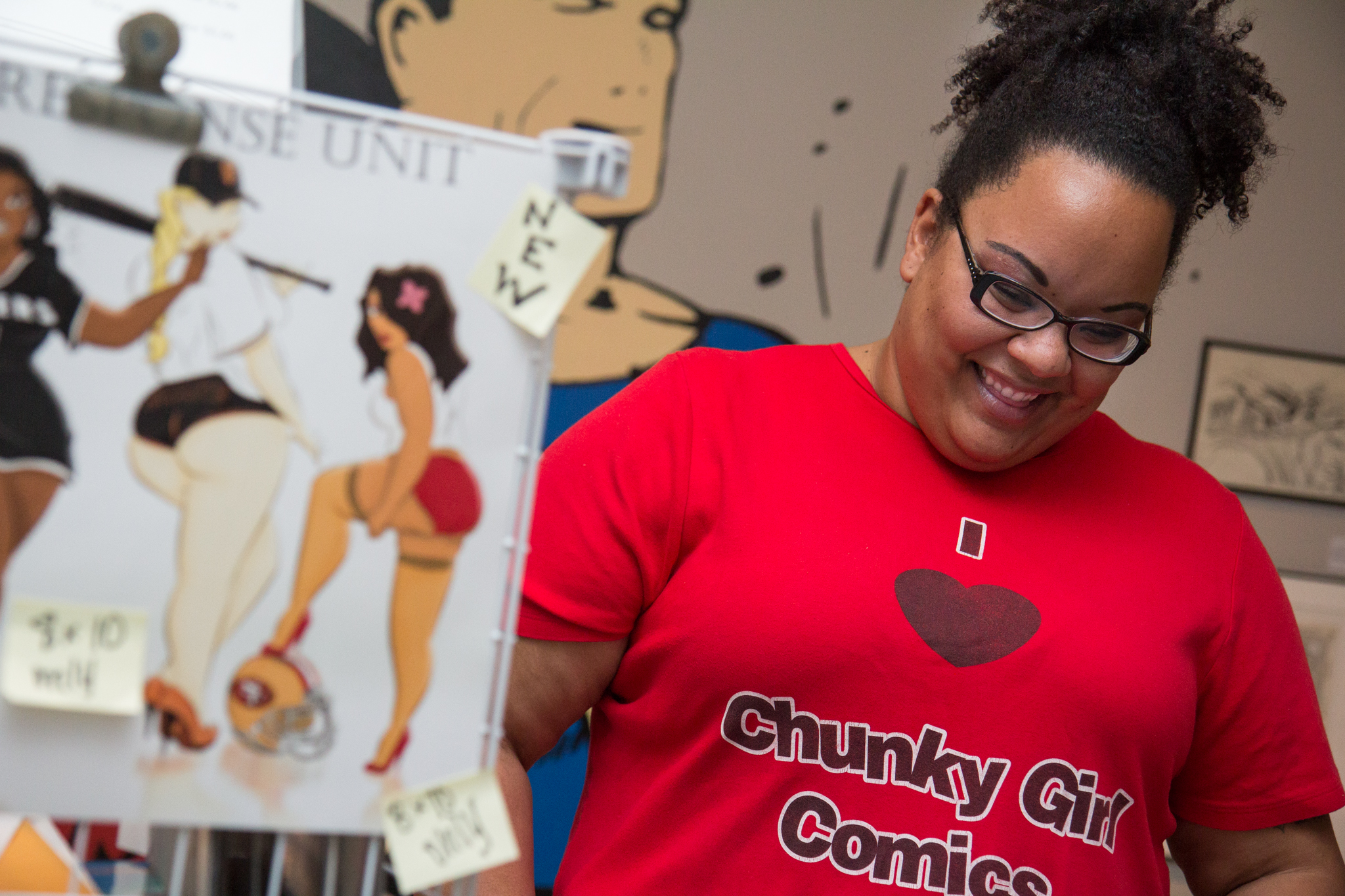 Marisa Garcia presented her smiling, beautiful and curvy heroines at the Expo.