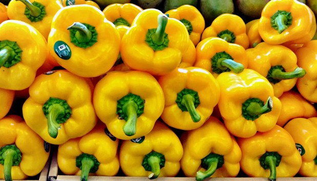 """Peppers by <a href=""""http://www.flickr.com/photos/ejbsf/12762824265/in/pool-sfmission"""">Ed Brownson</a>"""