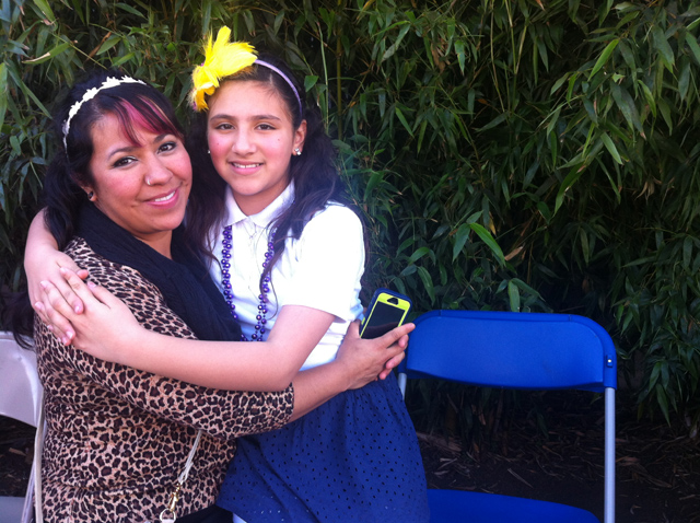Dulce Gutiérrez and her daughter Eileen Santillano. Photo by Andrea Valencia