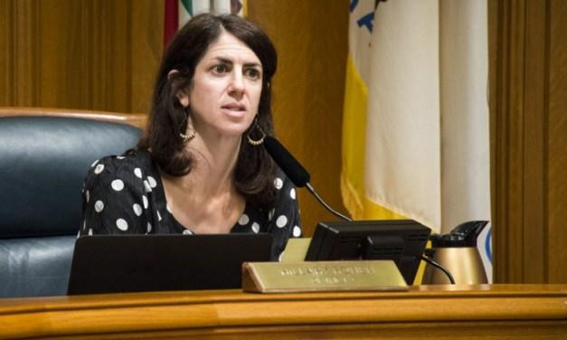 Supervisora pedirá a Washington Proteger a Inmigrantes en Peligro