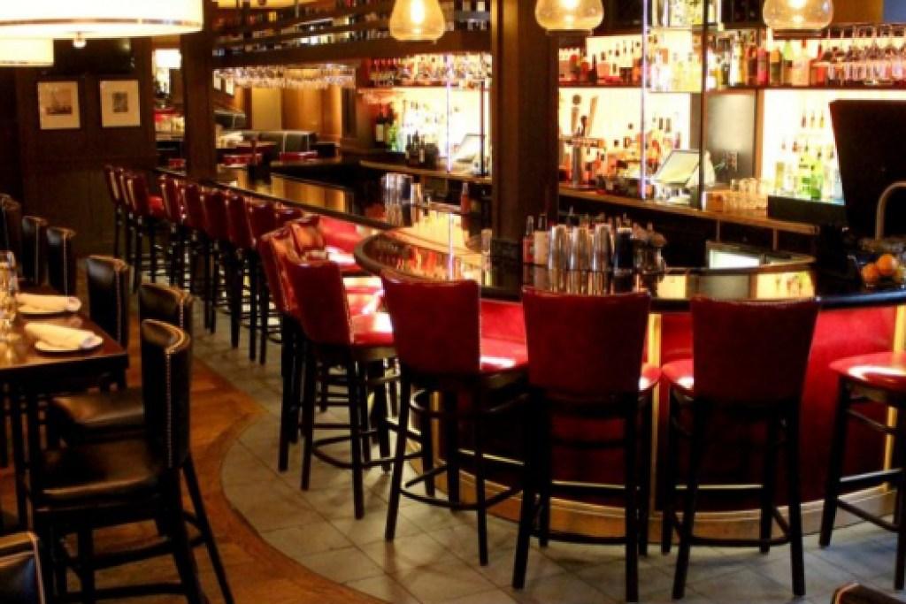 Best Bar in Newburyport at Mission Oak Grill