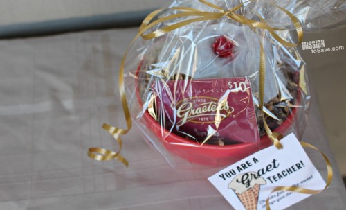 """This DIY Teacher Gift is perfect for a Graeter's Ice Cream fan.  Sweet and Punny- it's """"Graet"""" for Teacher Appreciation or Christmas gifts!"""