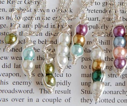 peas in a pod necklace