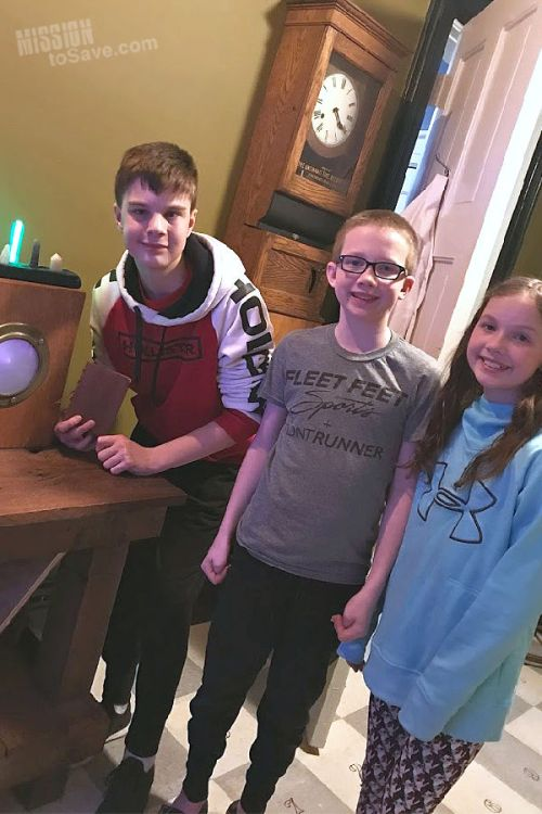 Kids in Tesla Escape Rooms by Franknicky
