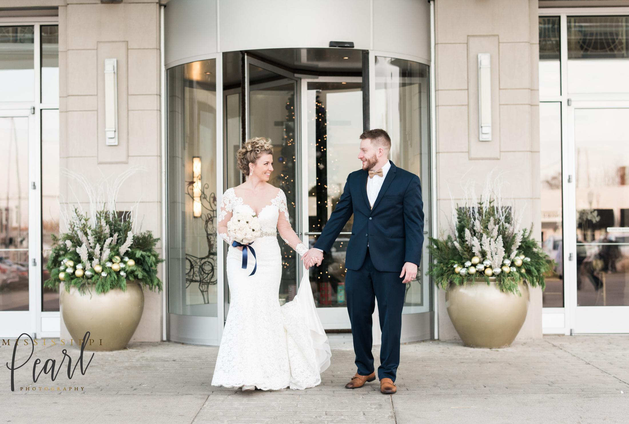 Quad Cities Iowa Wedding Photographer Figge Art Museum Blackhawk