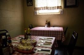 Does-Eat-Place-11-web