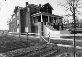 Photo of Mound Bayou Montgomery House in the 1970s