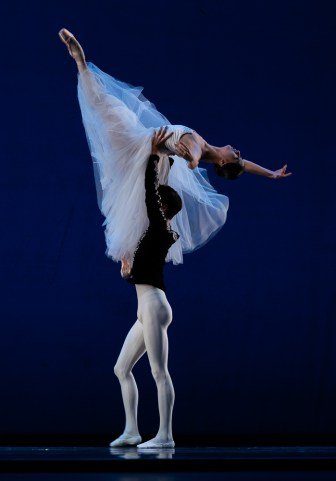 Chinese ballet performers at IBC