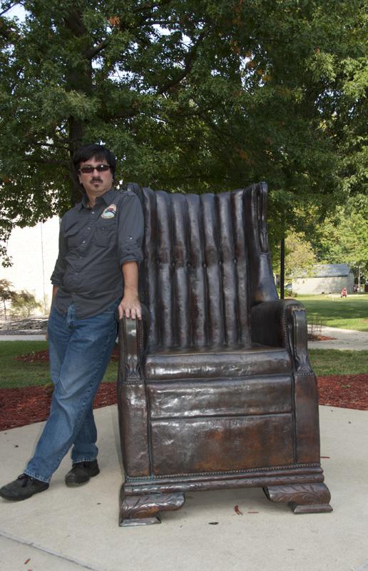 Wadlow statue; Alton, IL