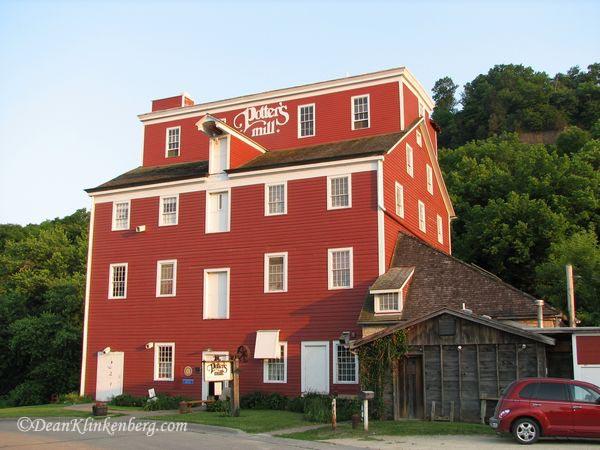 Potters Mill; Bellevue, IA