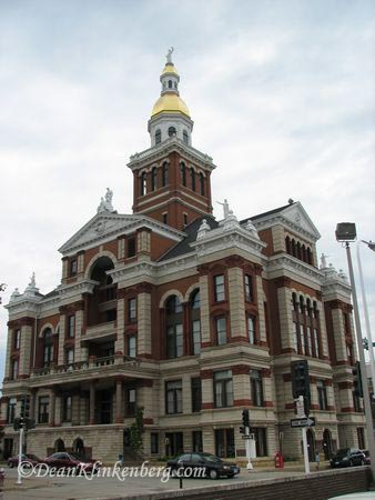Dubuque (IA) County Courthouse