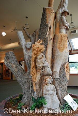 Gleich sculpture; Hampton, IL