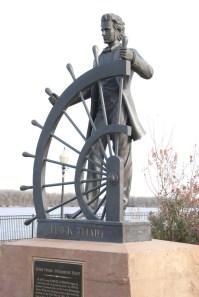 Riverfront statue of Mark Twain
