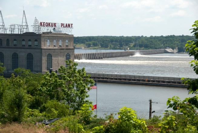Hydroelectric dam; Keokuk, Iowa