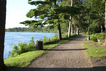 tn_Mississippi River at River Mile 927-01 St. Cloud Riverside Park