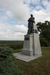 tn_Quincy IL Gen Rogers statue01
