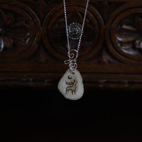 Collier, renne, necklace, pendentif, bois de renne, os, précieux, argent,artisanat français, écologique, arbre de vie, tree of life, normandie, atelier de la lettre aux ours, missive to bears
