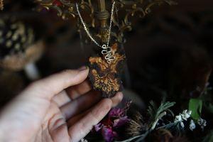 Collier, necklace, pendentif, bois, précieux, argent,artisanat français, écologique, arbre de vie, tree of life, normandie, atelier de la lettre aux ours, missive to bears