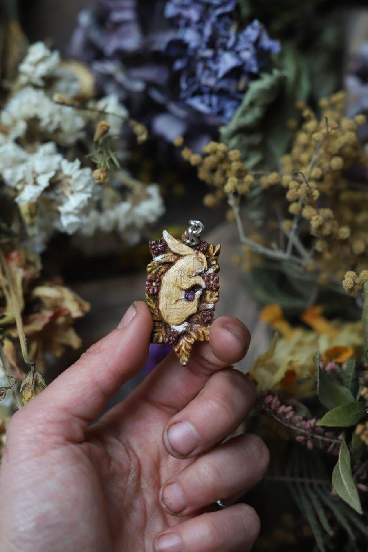 Collier, bois, sculpture, lapin, printemps, argent, artisanat français écologique, atelier de la lettre aux ours, missive to bears, bijoux