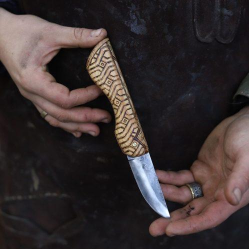 Couteau français, pliant, artisanat, forgeron, coutelier d'art, la forge d'Asgeir, écologique, lettre aux ours, missive to bears, artisanat francais, normandie