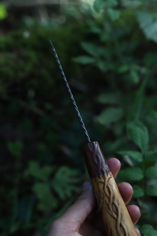 Couteau, sculpture, cerf, cernunnos, bushcraft, artisanal, français, atelier de la lettre aux ours, la forge d'asgeir, damas, san maï