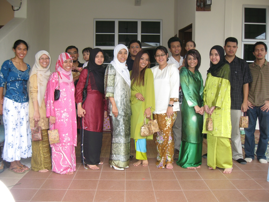 The day Eddy got hitched..me, Najwa and seniors from Eddy's batch