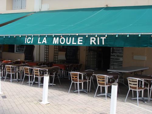 Toujours à Biarritz... Ici, tout le monde rit!
