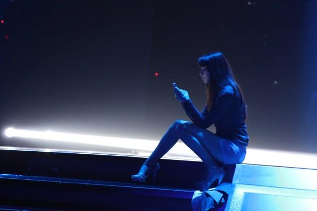 Katalin_texting