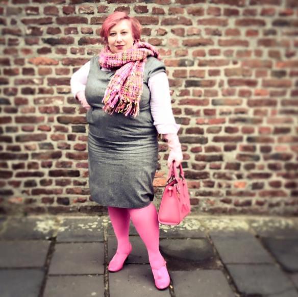 misskittenheel-vintage-curvy-plussize-pink-hair-pinklady-01