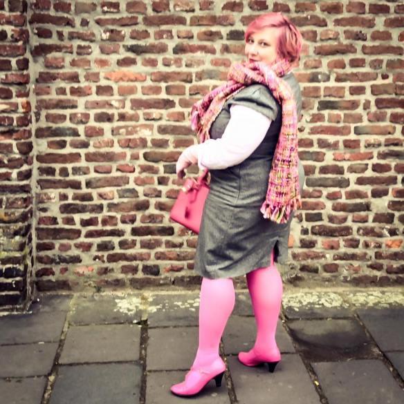 misskittenheel-vintage-curvy-plussize-pink-hair-pinklady-02