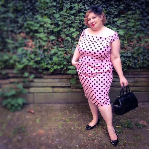 misskittenheel vintage curvy plussize pink polkadots 05
