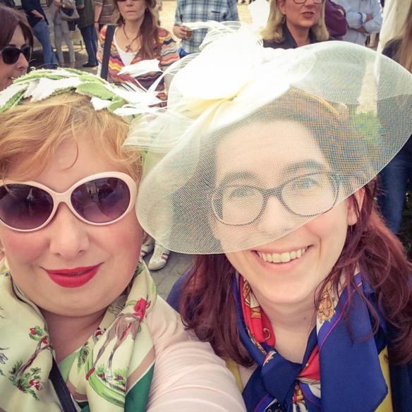 misskittenheel vintage plussize pinup ladiesday 2016 rennclub krefeld galopprennen 11