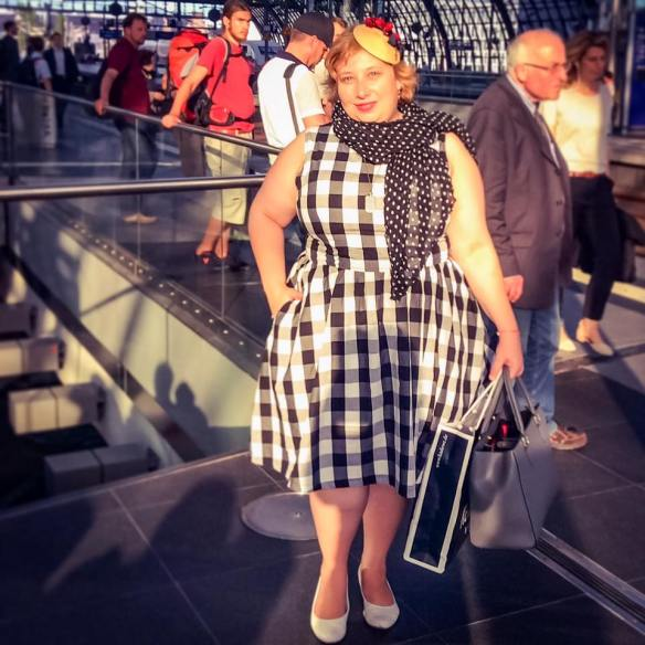 misskittenheel berlin fashionweek summer 2016 lindybop audrey black check