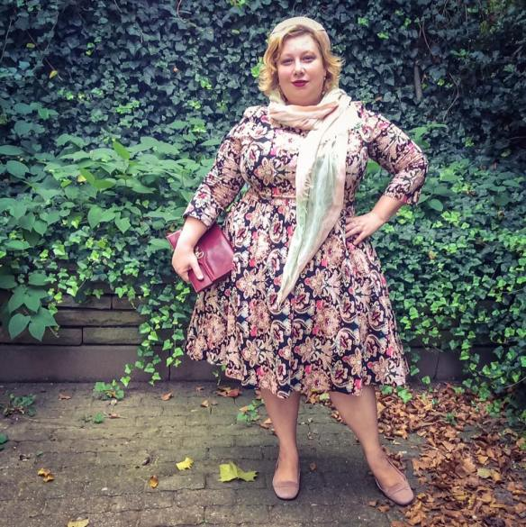 misskittenheel-vintage-plussize-vintage-lindybop-holly-tapestry-fraeuleinanders-modejahr2016-02