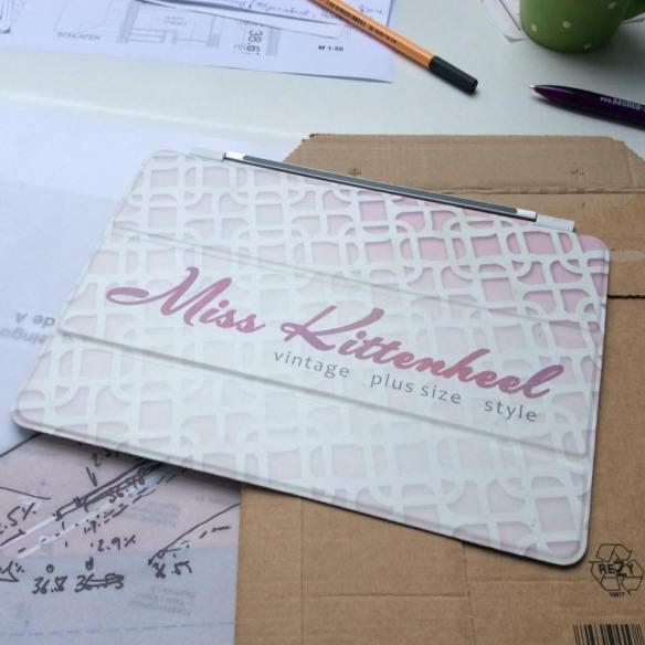 misskittenheel-vintage-plussize-navabi-peplum-teal-dress-plussizefashiondays-hamburg-13