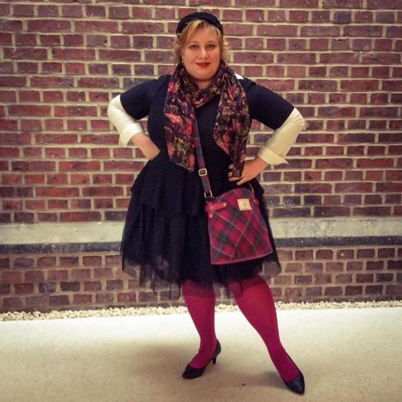 misskittenheel-vintage-plussize-tulle-skirt-ballerina-black-swan-peplumtop-pink-04