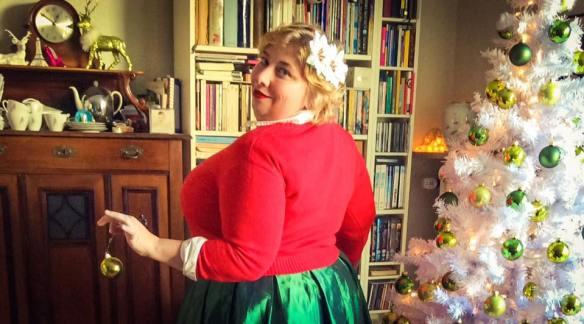 misskittenheel-vintage-plussize-curvy-christmas-ugly-sweater-lindybop-2016-04