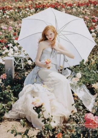 Vogue-UK-Dec-2004-Pantomime-PhotosBy-Tim-Walker-ScannedBy-Perlefine-04