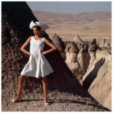 model-wearing-sleeveless-white-linen-flared-side-buttoned-dress-by-chester-weinberg-circa-december-1966-gc3b6reme-turkey-photo-henry-clarke