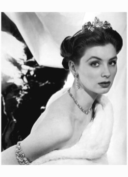 suzy-parker-for-mauboussin-1953-photo-henry-clarke