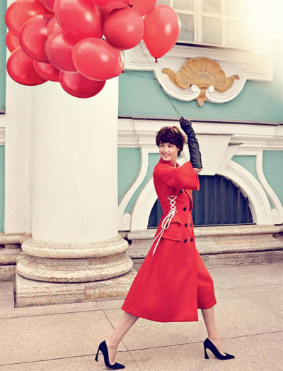 lindsey-wixson-looks-classy-chic-in-a-very-russian-cover-story-by-alexi-lubomirski-for-the-september-issue-of-vogue-russia