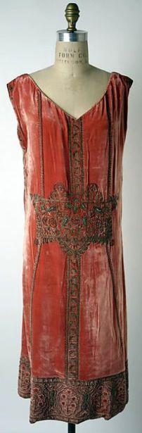 evening-dress-1924-designed-by-jean-patou