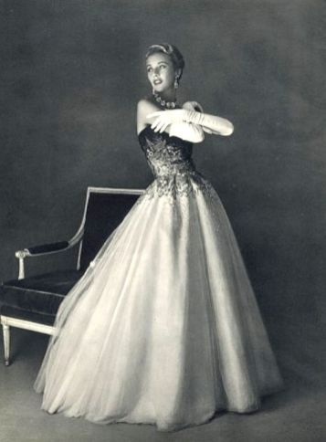 evening-gown-by-jean-patou-1953