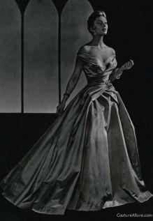 jean-patou-robe-de-bal-1954