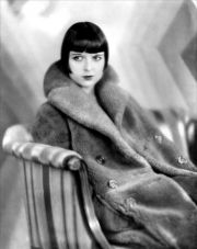 louise-brooks-for-the-movie-prix-de-beaute-costume-by-jean-patou-1930
