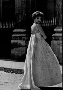 denise-sarrault-in-maggy-rouff-photo-by-georges-saad-1958