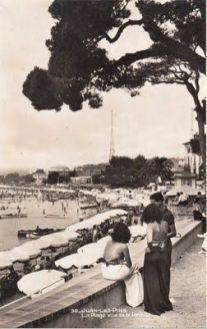 Juan les Pins, La Plage vue de la Pinede (circa 1930)