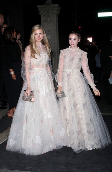 Lily+Collins+Arrives+2012+Met+Gala+After+Party+4deI24jcGeLl